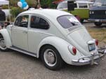 VW Bug in original paint color L282 - Lotus White