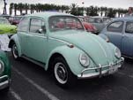 VW Bug in stock paint color L519 - Bahama Blue