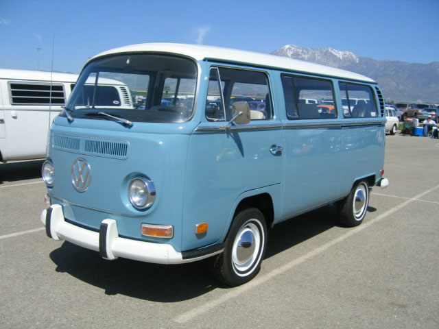 Vw Bay Window Bus In Original L5 Niagra Blue